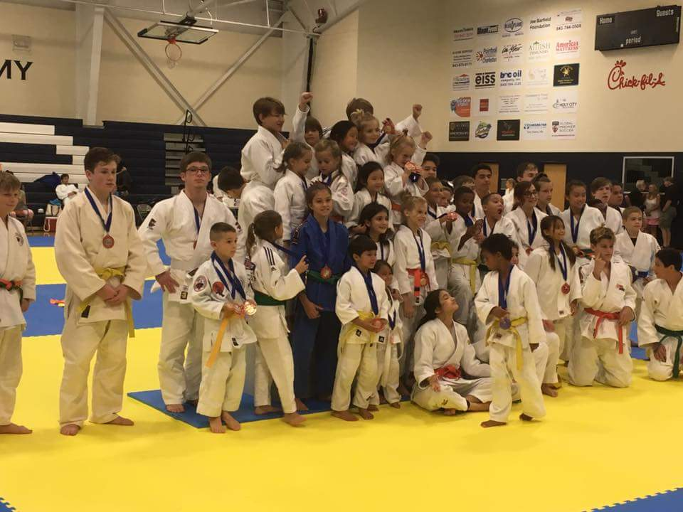 Bushido Judo Kids and Family Photo With Medals